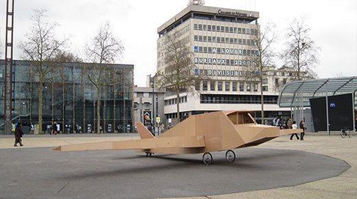 avion-carton-4