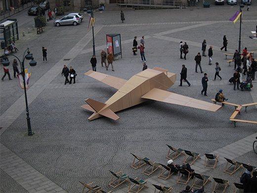 avion-carton-2
